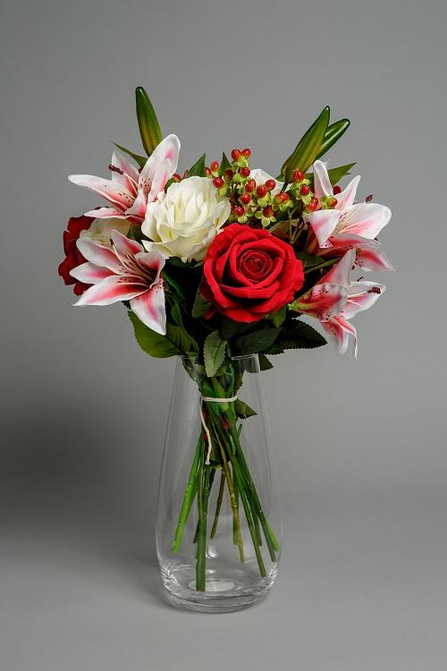 Artificial rose bouquet