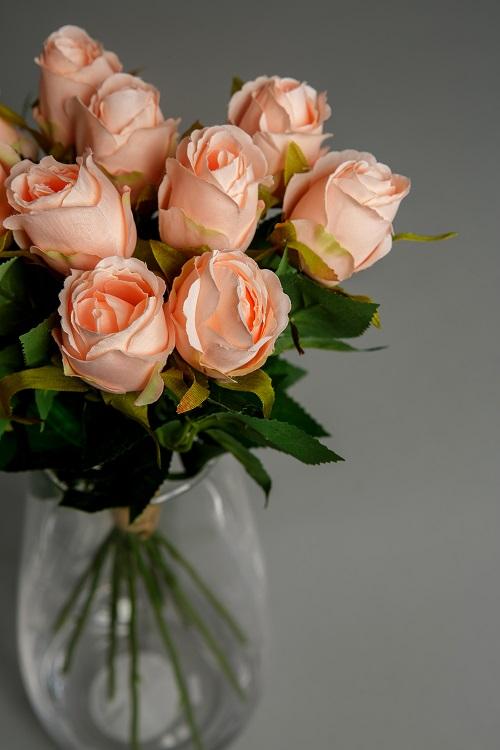 Artificial peach roses