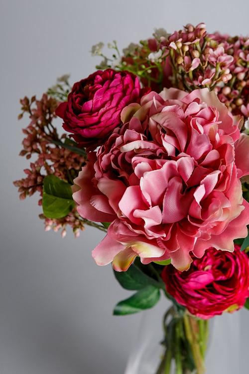 Silk flowers arrangement